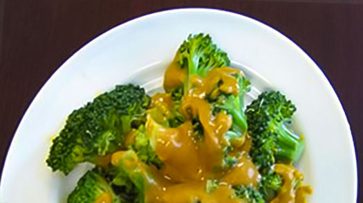 Broccoli Met Rode Linzensaus